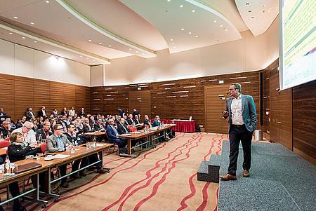 Prof. Dr. Guido Fischermanns auf der iboCON