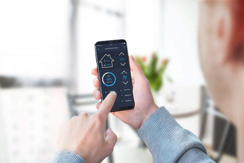 Smart-Home-App wird genutzt